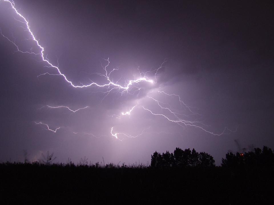 lightning-342341_960_720