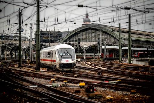 railway-station-619082__340